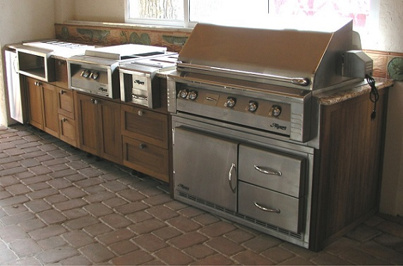 Outdoor Kitchens How To Secure Your Doors And Cabinets