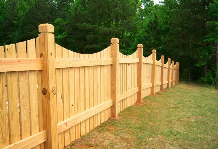 Дачный забор деревянный с деревянными столбами своими руками