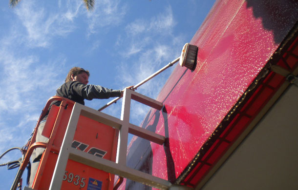 How Are Awnings Cleaned
