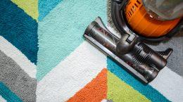 choosing a carpet washer